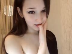 無修正 白肌の美マン巨乳な中国娘がライブチャットでオナニー配信