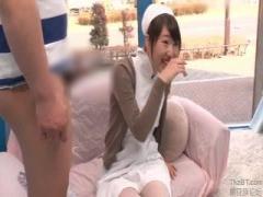 MM動画 素人ナースのお姉さんにセンズリ見せつけ 発情お姉さんがお股の割...